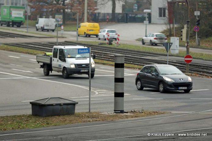 Der Blitzer an der Kreuzung Honsellstraße/Starckstraße (Foto: Klaus Eppele)