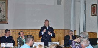 KHK Joachim Bossek bei seinem interessanten Vortrag