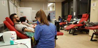 Muslime beim Blutspenden (Foto: Ahmadiyya Muslim Jugendorganisation)