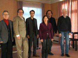 Jury-Mitglieder (v.l.n.r.): Prof. Jacek Klimkiewicz, Professor Alexander Hülshoff, Prof. Sebastian Sternal, Heike Arend, Prof. Thomas Dewald und Prof. Peter Leiner (Foto: ZIRP)