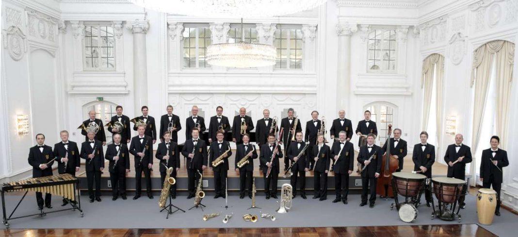 Das Landespolizeiorchester Baden-Württemberg unter der Leitung von Stefan R. Halder (Foto: Polizei)