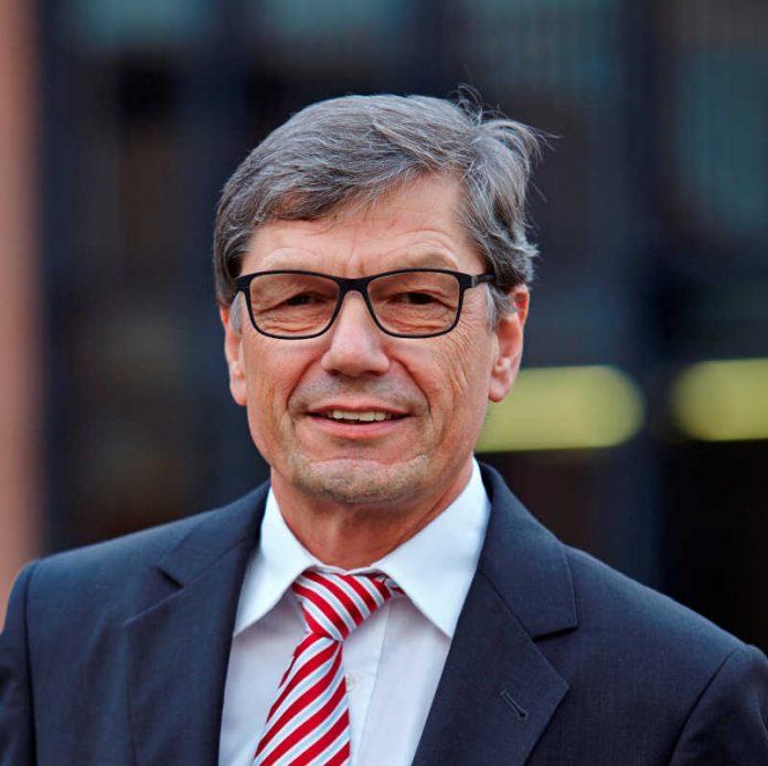 Professor Jürgen Schnell