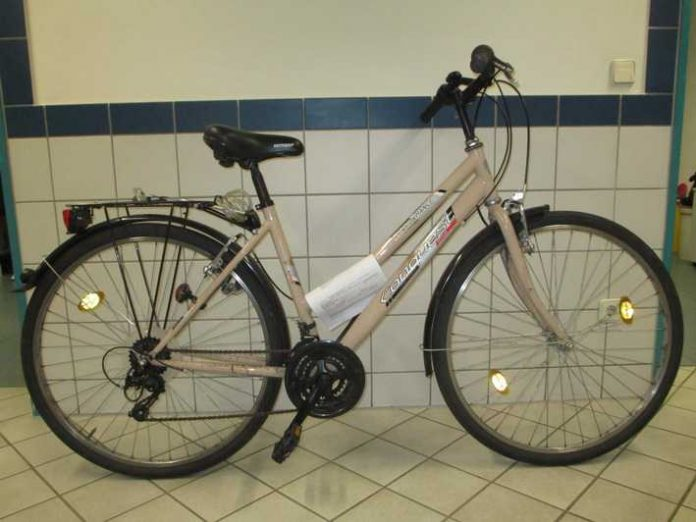 Wer kann helfen den Besitzer dieses Fahrrades zu finden?