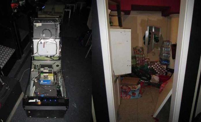 Spielautomat und Wanddurchbruch