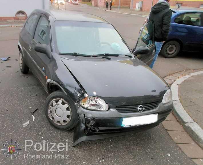 Die Unfallverursacherin nahm dem PKW die Vorfahrt