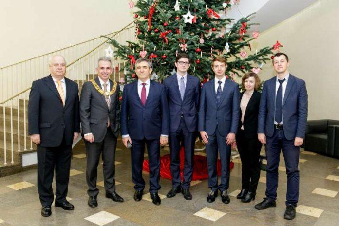 OB Peter Feldmann empfängt Delegation der Moskauer Stadtregierung (Foto: Stefanie Kösling)