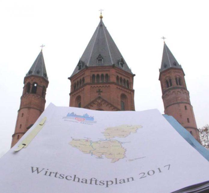 Der Kirchensteuerrat des Bistums Mainz hat den Wirtschaftsplan der Diözese für das Jahr 2017 mit einem Volumen von 373,9 Millionen Euro verabschiedet. (Foto: Bistum Mainz / Blum)