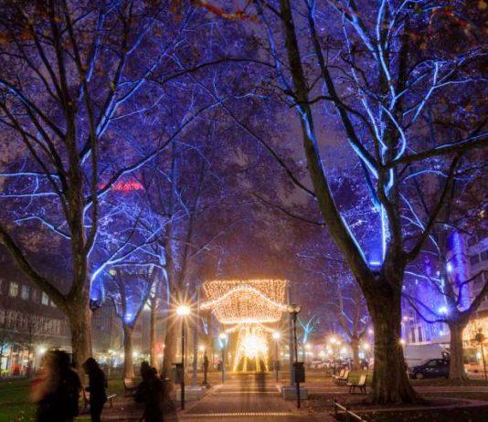 Stimmungsvoll beleuchtete Innenstadt (Foto: Christian Volz)