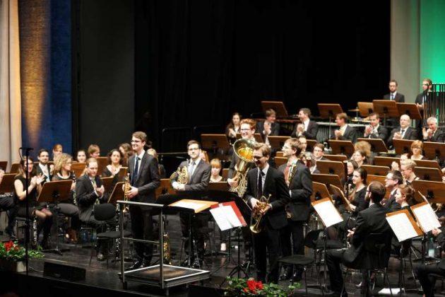 Applaus für die Darbietung (Foto: Holger Knecht)