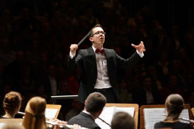 Dirigent Thomas Kuhn (Foto: Holger Knecht)