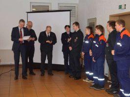 Feuerwehrdezernent Peter Kiefer überreichte Auszeichnungen (Foto: Stadt Kaiserslautern)