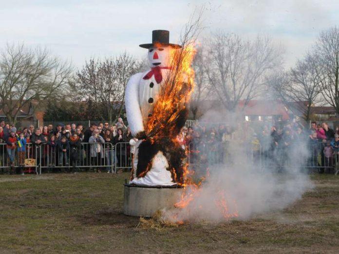 Die traditionelle Winterverbrennung (Foto: Gemeindeverwaltung)