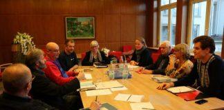 Expertenrunde im Rathaus Plankstadt (rechts Dr. Andreas Welker vom Gesundheitsamt im Landratsamt Rhein-Neckar-Kreis). (Foto: Gemeinde Plankstadt)