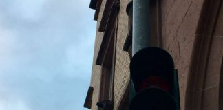 Viele Ampeln, wie hier in der Maximilianstraße, mussten am Mittwochmorgen per Hand angeschaltet werden. (Foto: Stadt Neustadt)