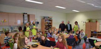 OB Jörg Albrecht besuchte die Grundschule Hilsbach/Weiler (Foto: Stadt Sinsheim)