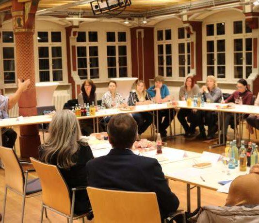 """Fachgespräch """"Kindertagespflege in Weinheim"""" (Foto: Stadt Weinheim)"""