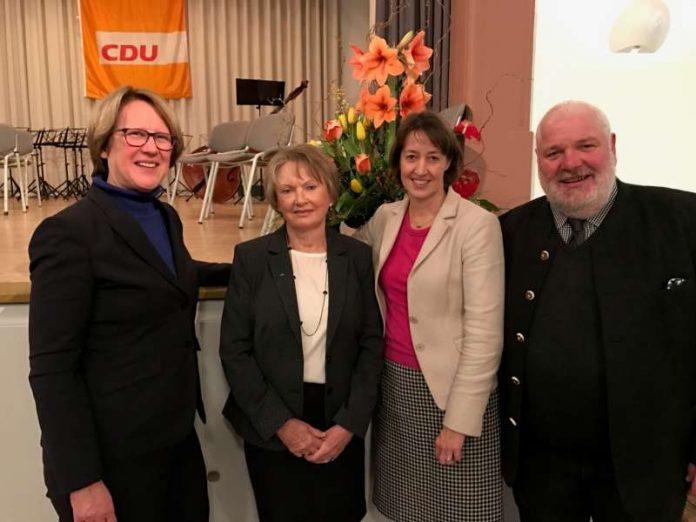 Karin Wolff MdL, Stadtverordnete Dagmar Krause, Dr. Astrid Mannes, CDU-Vorsitzender und Stellv. Stadtverordnetenvorsteher Ludwig Achenbach (v.l.). (Foto: CDU)