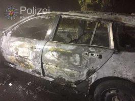 Komplett ausgebrannter Wagen