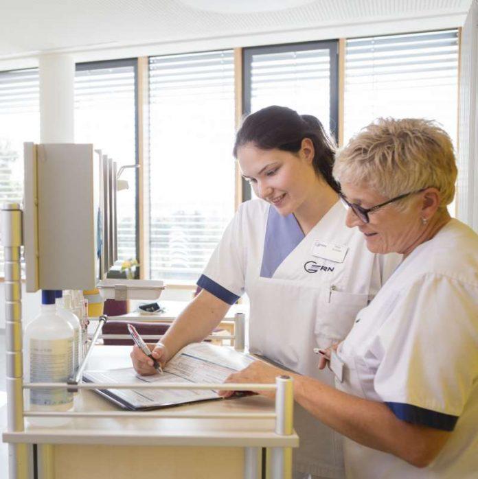 Die Dokumentation der Patientendaten und -befunde gehört mit zu den Aufgaben eines oder einer Medizinischen Fachangestellten. (Foto: GRN, Symbolbild)