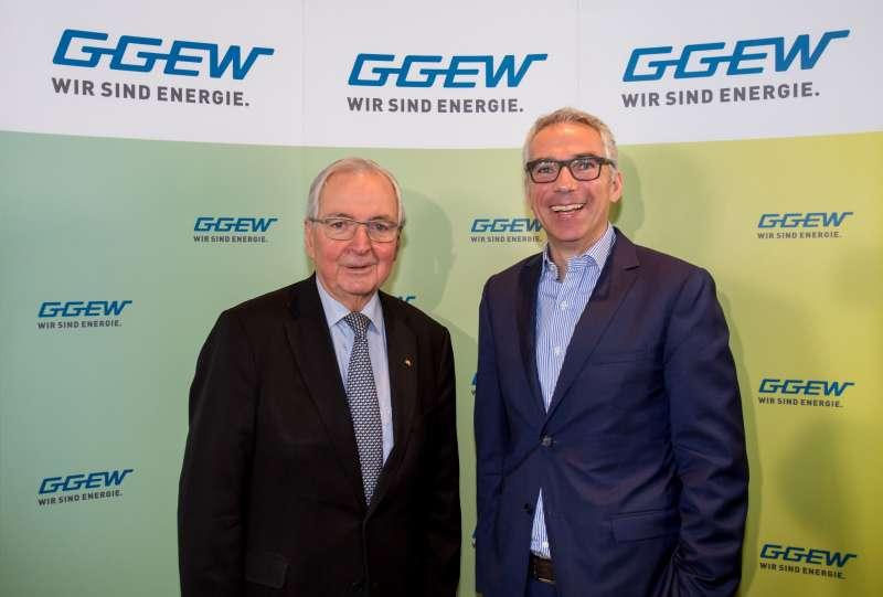 """Beim GGEW-Symposium """"Die Zukunft der Energiewirtschaft"""" in Heppenheim: Prof. Dr. Dr. Klaus Töpfer, Bundesumweltminister a. D. und Carsten Hoffmann, Vorstand GGEW AG (v.l. ) (Foto: GGEW AG/Marc Fippel Fotografie)"""