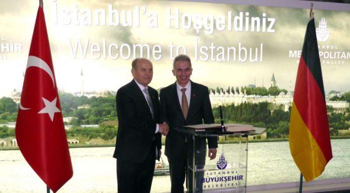 Kadir Topbas und Peter Feldmann (r.) (Foto: Tarkan Akman)