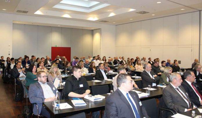 Die Veranstaltung lockt zweimal jährlich über 120 Immobilienverwalter nach Frankenthal. (Foto: VDIV)