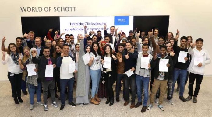 Fast alle Sprachkursteilnehmer bestehen Abschlussprüfung (Foto: SCHOTT AG)