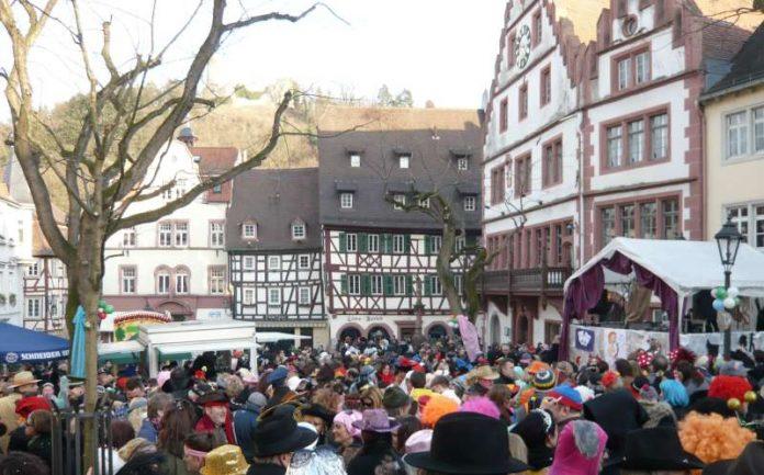 """""""Weinheimer Straßenfastnacht"""" (Foto: Stadtverwaltung)"""