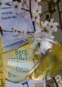 Der Bergsträßer Weintreff lädt zur Weinverkostung ein (Foto: Verkehrsverein Bensheim e.V.)