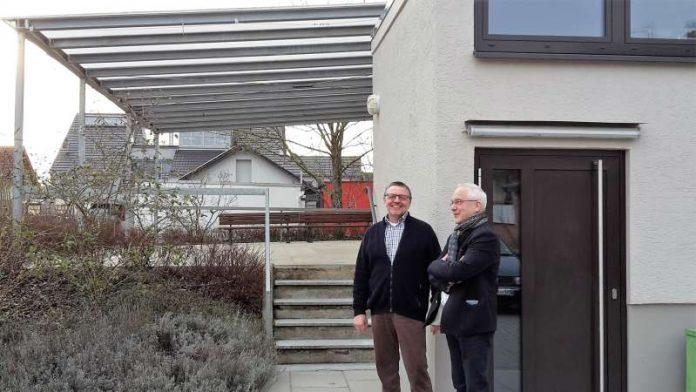 Ortsvorsteher Günter Bischof (l.) mit Erstem Stadtrat Helmut Sachwitz (Foto: Stadtverwaltung)