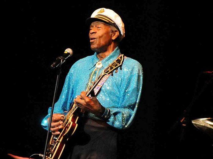 Chuck Berry in der SAP Arena Mannheim am 22.11.2008 (Foto: Helmut Dell)
