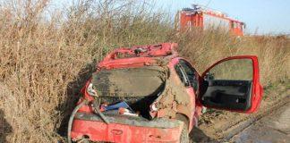 Das verunfallte Auto (Foto: Polizei RLP)