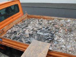Die Arbeiter wollten vorschriftswidrig insgesamt 26 Asbestplatten entsorgen