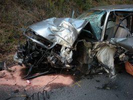 Ein betroffener PKW (Foto: Feuerwehr)