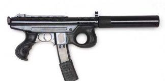 Maschinenpistole mit Schalldämpfer