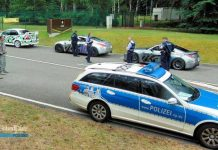 Start in die Tuning-Saison 2017 - und damit auf den Straßen Sicherheit herrscht, wird die Polizei ein Auge darauf haben, ob die Regeln eingehalten werden. Dieses Foto entstand bei einer Kontrolle von Tuning-Fahrzeugen im vergangenen Jahr.