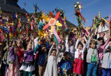 Kinder bei der Steckenparade (Foto: Holger Knecht)
