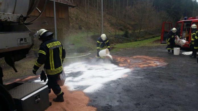 Einsatz an der Wolfschluchthütte (Foto: Feuerwehr)