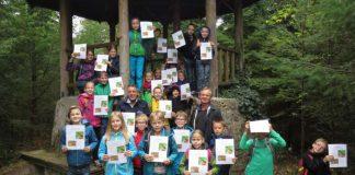 """Kinder mit dem """"Weinheimer Naturdiplom"""" (Stadtverwaltung Weinheim)"""