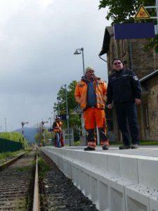 """""""Alles muss raus!"""" Das Gleisbett in Lorsch muss erneuert werden. (Foto: Stadt Lorsch)"""