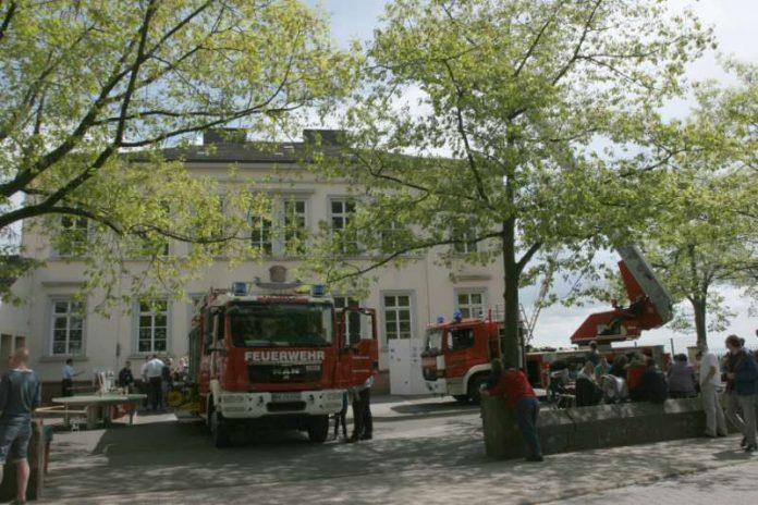 Feuerwehrfahrzeuge vor dem Gerätehaus Haardt (Foto: Feuerwehr Neustadt)