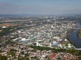 Industriepark Höchst - Luftaufnahme (West nach Ost) (Foto: © 2011 Infraserv GmbH & Co. Höchst KG)