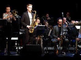 Shannon Barnett (Posaune) und Stefan Karl Schmid waren die Solisten (Foto: Holger Knecht)