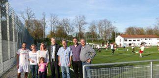 Markus Frank besucht Sportanlage in Bonames (Foto: Stadt Frankfurt)