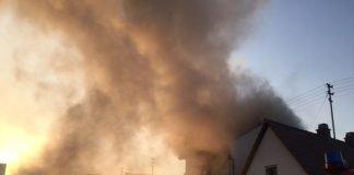 Dachstuhlbrand in der Maudacher Straße (Foto: Polizei RLP)