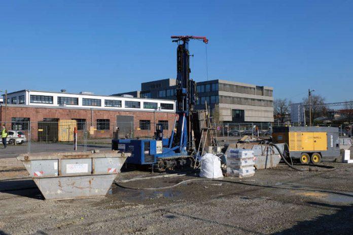 Für die Geothermieanlage des Wachstums- und Festigungszentrums werden im Kreativpark Alter Schlachthof Erdbohrungen durchgeführt. (Foto: Karlsruher Fächer GmbH)