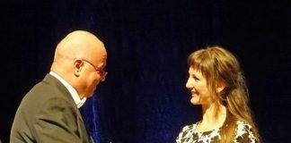 Für ihre hervorragende Leistung im Studium erhielt Marianna Bär im Staatsministerium eine besondere Auszeichnung. (Foto: Stadt Karlsruhe/Personal- und Organisationsamt)