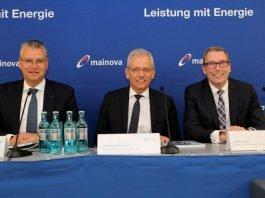 Der Vorstandsvorsitzende der Mainova AG Dr. Constantin H. Alsheimer und die beiden Mainova-Vorstandsmitglieder Norbert Breidenbach und Lothar Herbst. (Foto: Mainova AG)