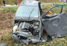 Die junge Fahrerin wurde durch das Handy abgelenkt