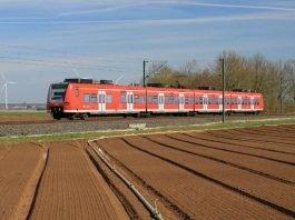 Ein Triebwagen der Baureihe ET 425 der S-Bahn Rhein-Neckar GmbH (Foto: Deutsche Bahn AG / Uwe Miethe)